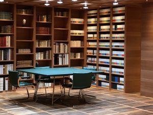 Bibliothek: Literatur und Geld
