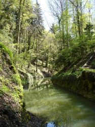 Canal d'Entreroches