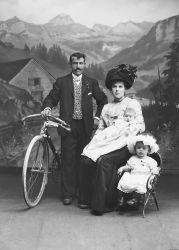 Schaut her! Portrait-fotografie 1900 bis 1930