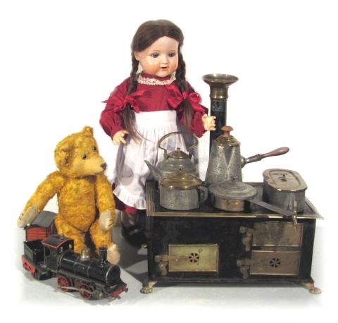 Schildkröt-Puppe, Märklin Kochherd