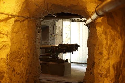 Bunker; Durchgang Wanderweg Via Stockalper