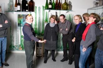 Flaschensepp zeigt eine der über 25'000 Flaschen.