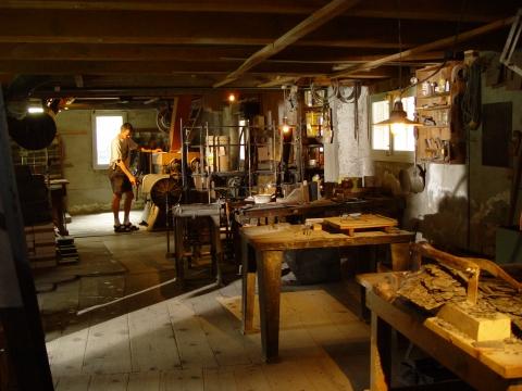 Blick in den über 100 jährigen Schieferbearbeitungsraum