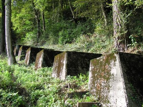 Panzersperre gegen französische Grenze