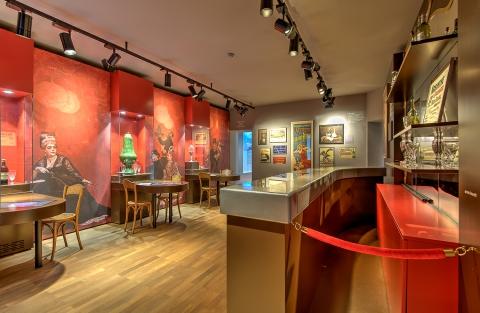 L'exposition retrace l'histoire de l'absinthe