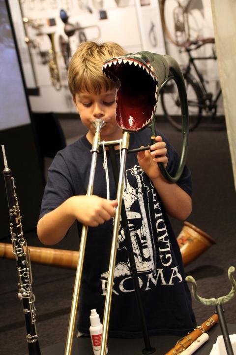 De la tête du dragon à la plus petite trompette du monde.