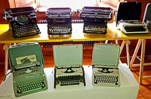 AnSammlung: Schreibmaschinen im Laufe der Zeit ...