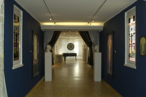 Veduta dell'esposizione per i 30 anni del Centro Elisarion.