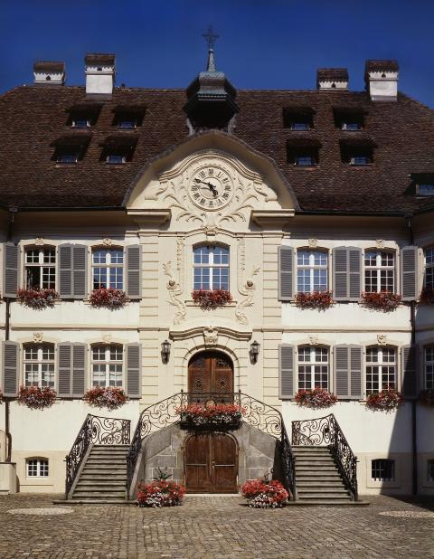 Le bâtiment du Musée de l'Hôtel-Dieu ..