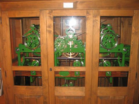Kirchenuhr voll funktionstüchtig