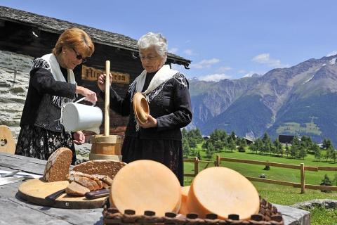 Butterfrauen beim Alpmuseum