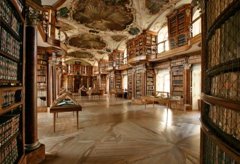 Barocksaal der Stiftsbibliothek