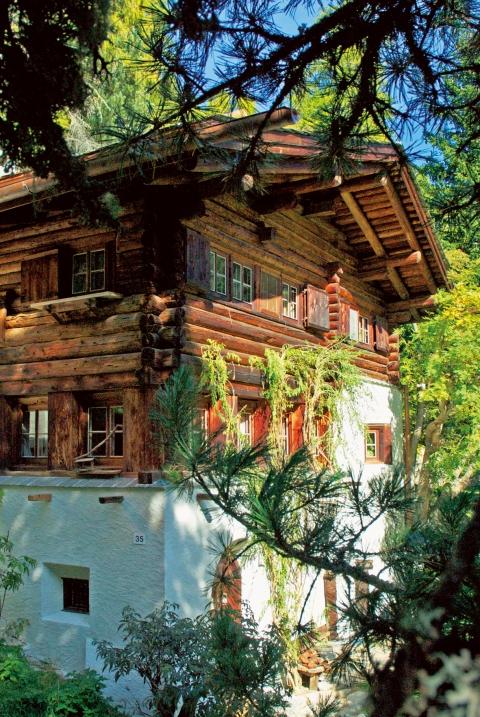 Das Mili Weber-Haus an der Via Dimlej 35 in St. Moritz