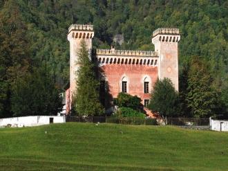 Vista dell\'esterno del palazzo.