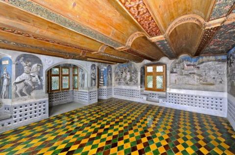 Festsaal mit Wandmalereien von 1515. Foto: Sacha Geiser