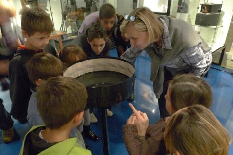 Visite de classe autour du Zootrope