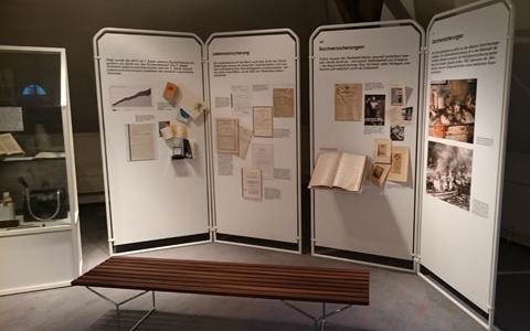 Diverse historische Dokumente