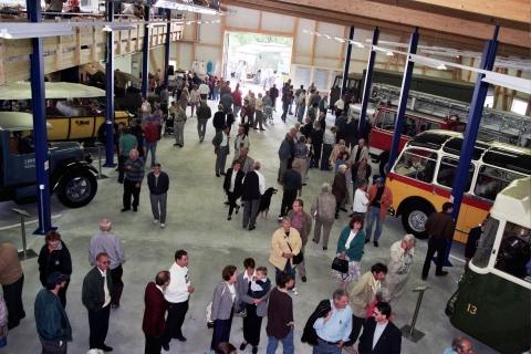 Wechselnde Ausstellung von Bussen und Lastwagen