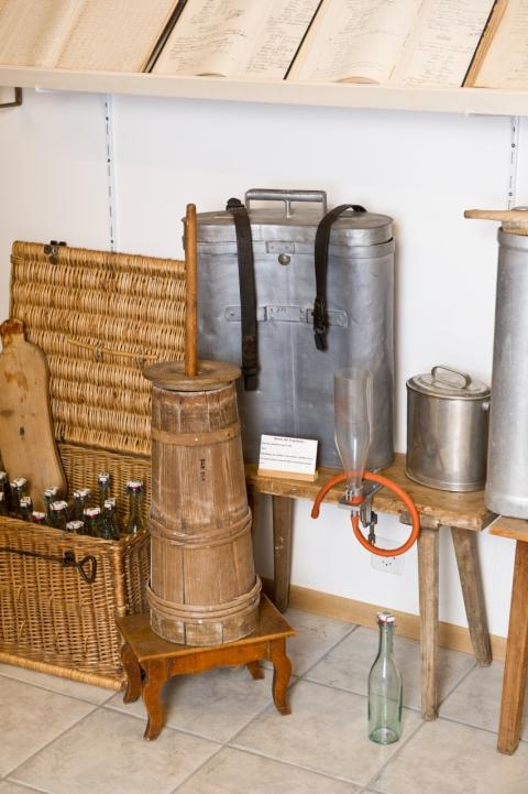 Probeflaschen für Milchkontrolle (c) Manuel Stettler
