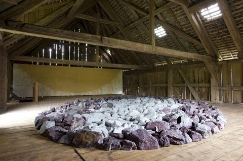 Richard Long, Cowshed Ellipse, 2008